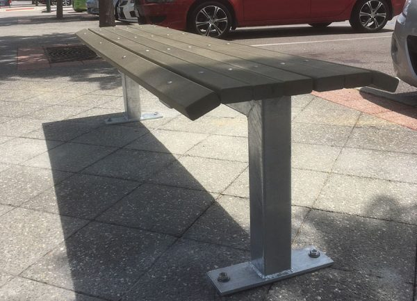 Woodlands Rightwood Bench