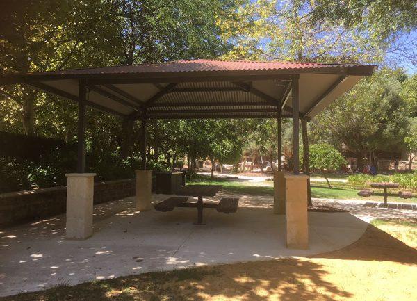 Alfresco Post Shelter